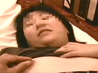 パート先の若者チンポに嵌っている素人奥様のハメ撮り浮気SEX動画