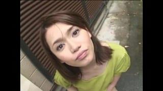 野外フェラやおしっこ放尿する露出好きのガチ変態素人奥さまのエロ動画