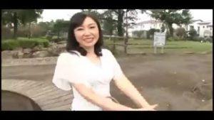 50代の素人奥さまがカメラ前でSEX披露する初AV人妻エロ動画