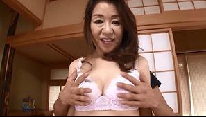 56歳になる専業主婦の奥さまがAVデビュー!人妻エッチ動画