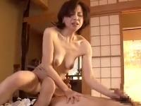 五十路の可愛いお義母さんが娘婿との禁断SEXでイキ捲くる近親相姦動画