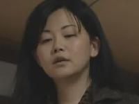 熟マンコが疼くスケベ母親が息子を襲う禁断SEXの近親相姦動画