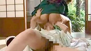 和服姿の四十路美女2人がチョーすけべに絡み合う熟女レズ動画