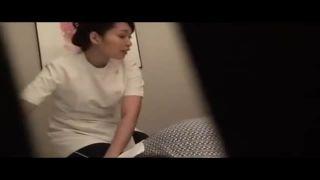 人妻盗撮動画wホテル出張マッサージ師の素人奥さまが客に迫られ激SEX