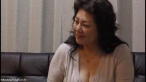 六十路の豊満な義母がオナニーや娘婿と禁断SEXする熟女エロ動画