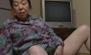 還暦ババァや三十路の熟女がフェラが凄い大人のSEXするエロ動画