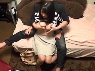 ナンパした素人奥さまは敏感巨乳でスケベが凄い盗撮SEX動画