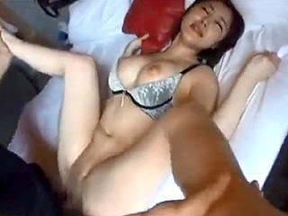 30代Fカップ巨乳の人妻を不倫旅行でハメ撮りした素人投稿動画