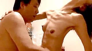 50代の熟年ご夫婦が自宅ハメ撮り映像を素人投稿したSEX動画