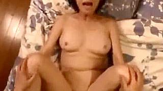 バツイチ50代の熟女がAV出演しハメ撮りSEXで痙攣エロ動画