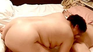 素人熟年カップルの投稿SEX動画♪緊縛玩具責めに感じる豊満熟女
