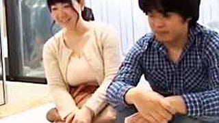 ガチ素人の爆乳母と息子がMM号で近親相姦し捲る筆おろし企画の盗撮