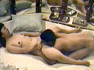 昭和時代のラブホ盗撮SEX動画♪回転ベッドで熟年夫婦が激交尾