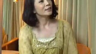 素人50代の奥様が若い男の子にナンパされ発情SEXみせるエロ動画