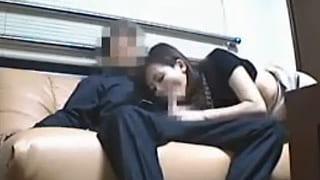 お受験ママが裏口入学の条件に男にSEXを強要されてる盗撮エロ動画