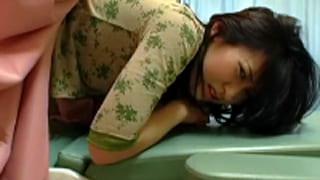 産婦人科の医師が若妻の子宮を犯し捲っちゃうSEX盗撮のレイプ動画
