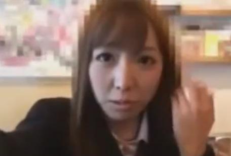 フェラ奉仕する激カワJK♪高校生カップルのスマホ自撮りエロ投稿