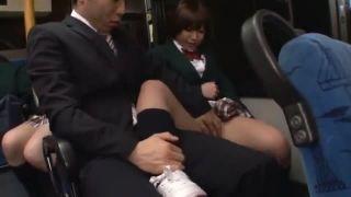 ミニスカ制服の女子校生がバス痴漢され集団輪姦のレイプ動画