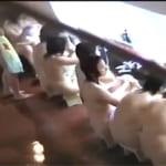 【素人投稿☆盗撮】温泉で修学旅行JC集団を女盗撮師が隠し撮り♪巨乳からちっぱいまで!発育途上ヌード丸出しだぜww