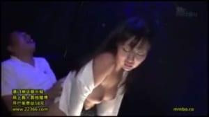 素人盗撮パイパン美巨乳おっパブ嬢の本番サービス中出し動画