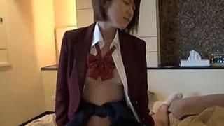 JKが制服姿でフェラチオして騎乗位でエッチする素人ハメ撮り動画