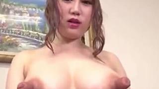 なんだこの乳首はー超デカイくて指が入るぞ爆乳ギャルのエロ動画
