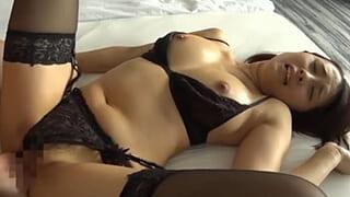 ガーター黒パンストのままセックスしちゃった巨乳な素人エロ動画