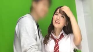 小さいオッパイのAカップ高校生と制服姿でセックスした素人動画